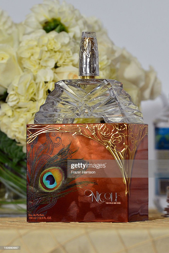 Television Personality Nicole Richie launches her new fragrance 'Nicole' at Macy's Glendale Galleria on August 29, 2012 in Glendale, California.
