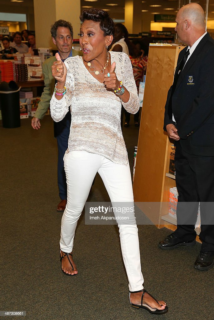 Television personality Robin Roberts arrives to sign copies of her new book, 'Everybody's Got Something' at Barnes & Noble bookstore at The Grove on April 28, 2014 in Los Angeles, California.