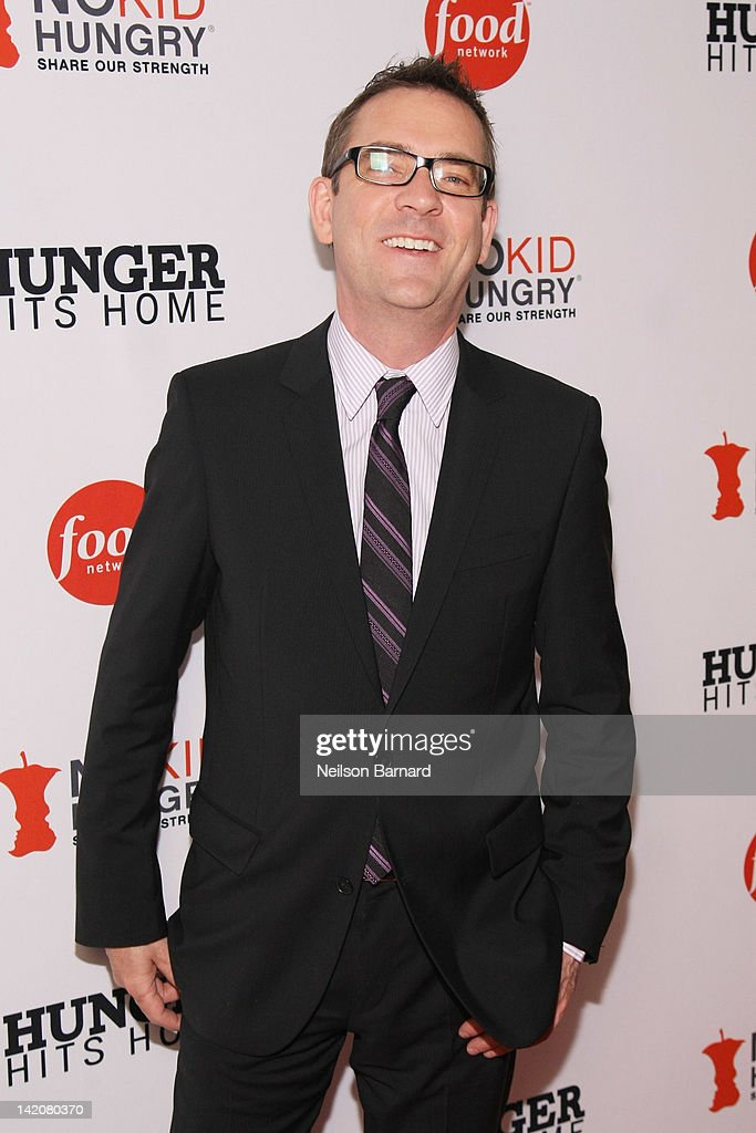Television personality <a gi-track='captionPersonalityLinkClicked' href=/galleries/search?phrase=Ted+Allen&family=editorial&specificpeople=204146 ng-click='$event.stopPropagation()'>Ted Allen</a> attends the 'Hunger Hits Home' screening at the Hearst Screening Room on March 29, 2012 in New York City.