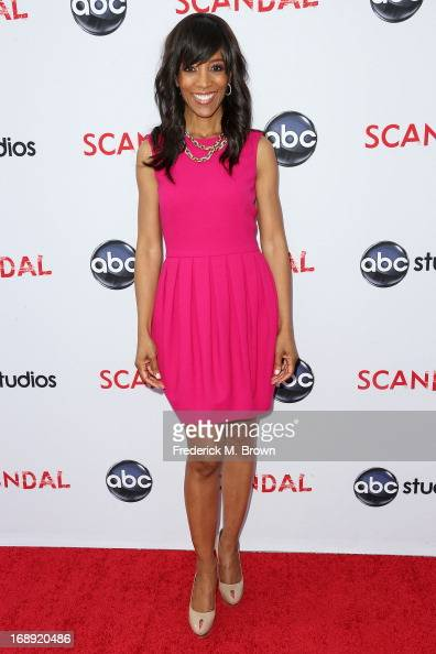 Television reporter Shaun Robinson attends Academy of Television Arts Sciences' presents an evening with 'Scandal' at the Leonard H Goldenson Theatre...
