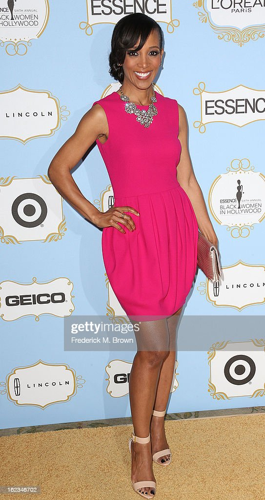 Television reporter <a gi-track='captionPersonalityLinkClicked' href=/galleries/search?phrase=Shaun+Robinson&family=editorial&specificpeople=209263 ng-click='$event.stopPropagation()'>Shaun Robinson</a> attends the Sixth Annual ESSENCE Black Women In Hollywood Awards Luncheon at the Beverly Hills Hotel on February 21, 2013 in Beverly Hills, California.