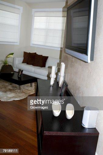 Television set in a living room : Foto de stock