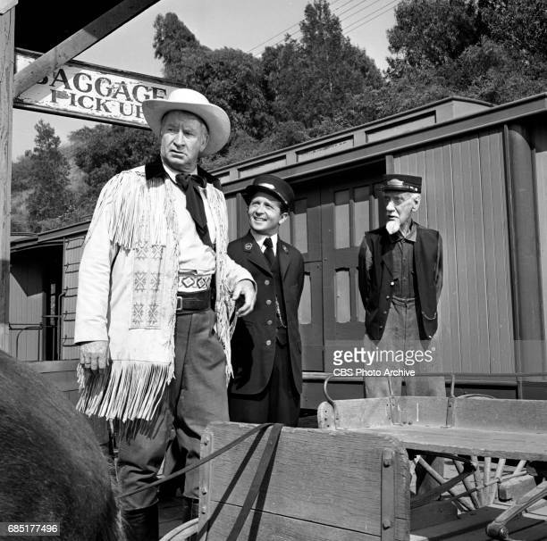 CBS television western Frontier Circus episode Journey From Hannibal Pictured left to right Chill Wills Arte Johnson and Clem Bevans Image dated June...