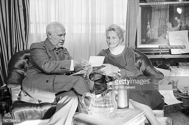 Televison Show 'La Vie Filmee Des Francais' En France en juin 1975 Pierre et Francine POCHET participent à l'émission 'La vie filmée des Français'...