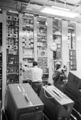 Telstar Satellite In Andover Andover 13 Juillet 1962 Le satellite TELSTAR transmetteur d'images télévisées à travers l'Atlantique la cabine avec ses...