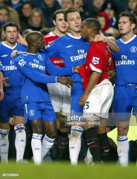 Tempers flare between Chelsea and Manchester United players