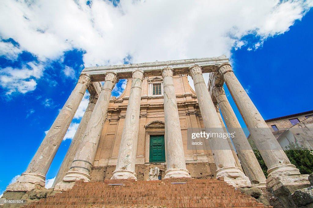 Temple of Antoninus and Faustina, Forum Romanom, Rome, Italy : Foto de stock
