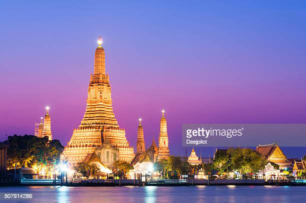 Temple of Wat Arun at sunset in Bangkok, Thailand
