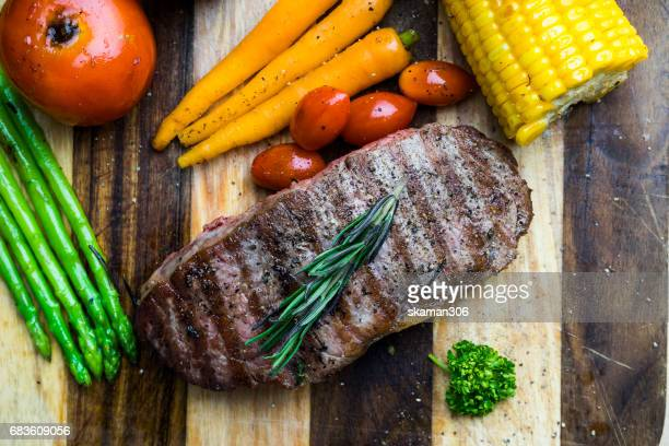 tenderloin beef steak with vegetable