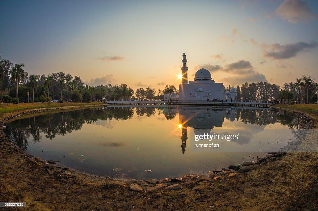 Tengku Tengah Zaharah Mosque, Kuala Terengganu