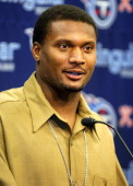 Tennesee Titans quarterback Steve McNair during press conference after 3425 loss to the Oakland Raiders at The Coliseum in Nashville Tenn on Sunday...