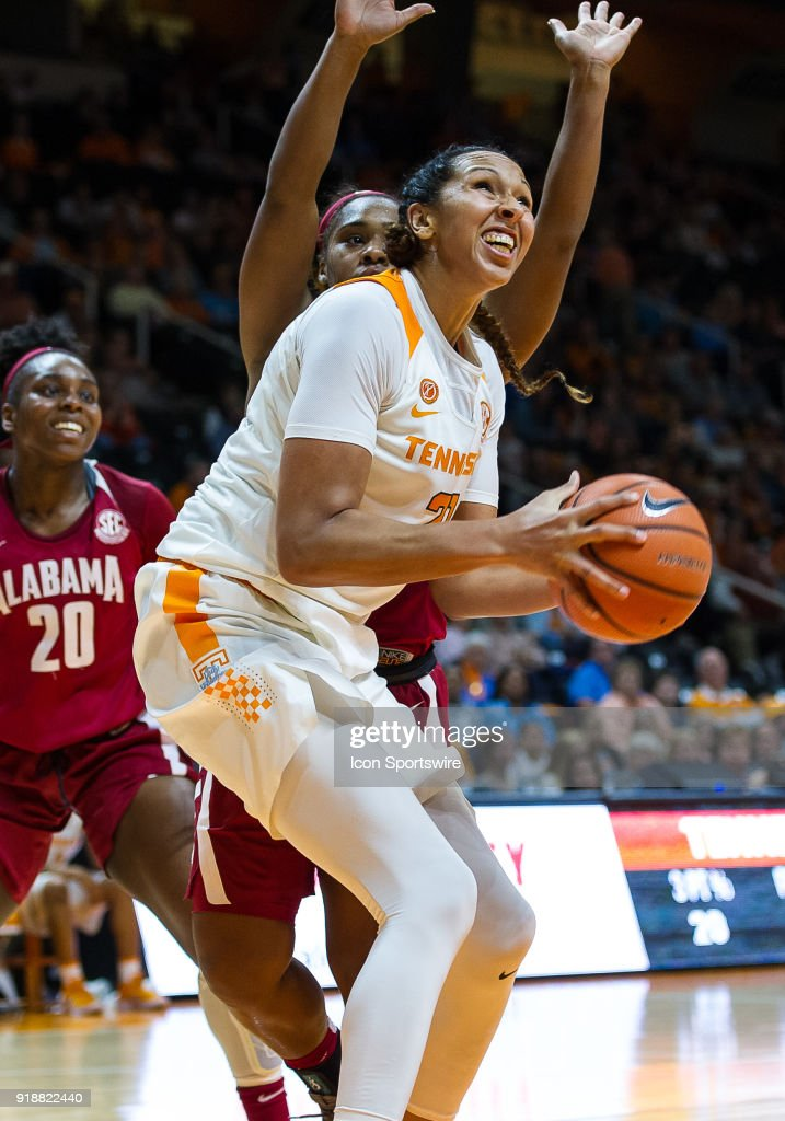 Tennessee Lady Volunteers center Mercedes Russell (21) sets up for a shot during a game between the Tennessee Lady Volunteers and Alabama Crimson Tide on February 15, 2018, at Thompson-Boling Arena in Knoxville, TN. Alabama defeated the Lady Vols 72-63.