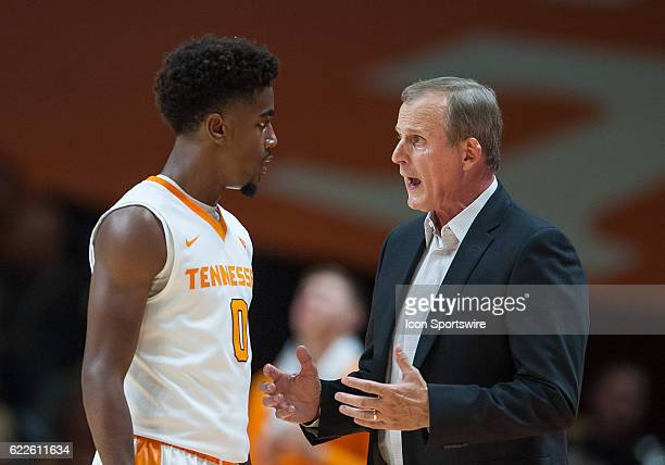 Tennessee Volunteers head coach Rick Barnes talks to Tennessee Volunteers guard Jordan Bone during a game between the Chattanooga Mocs and Tennessee...