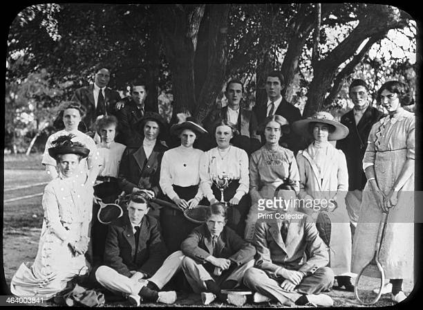 Tennis group portrait late 19th or early 20th century