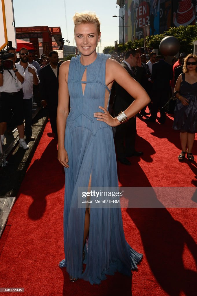 Tennis player <a gi-track='captionPersonalityLinkClicked' href=/galleries/search?phrase=Maria+Sharapova&family=editorial&specificpeople=157600 ng-click='$event.stopPropagation()'>Maria Sharapova</a> arrives at the 2012 ESPY Awards at Nokia Theatre L.A. Live on July 11, 2012 in Los Angeles, California.