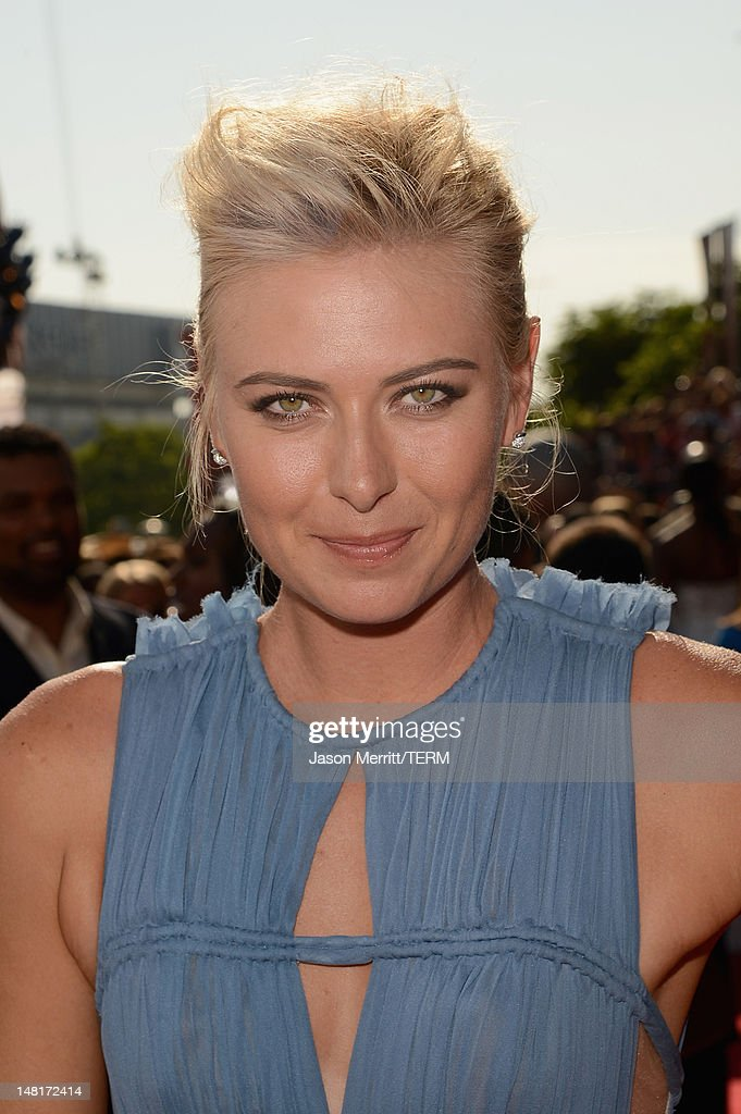 Tennis player Maria Sharapova arrives at the 2012 ESPY Awards at Nokia Theatre L.A. Live on July 11, 2012 in Los Angeles, California.