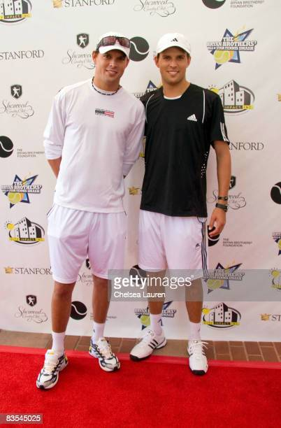 Tennis players Bob Bryan and Mike Bryan arrive at the Bryan Brothers' allstar tennis smash at the Sherwood Country Club on September 27 2008 in...