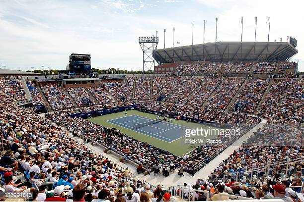 US Open Overall scenic view of France Gael Monfils in action vs Spain Juan Carlos Ferrero during Men's 2nd Round at BJK National Tennis Center...
