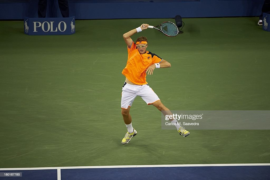 Uzbekistan Denis Istomin in action vs Great Britain Andy Murray during Men's 4th Round at BJK National Tennis Center. Carlos M. Saavedra F74 )