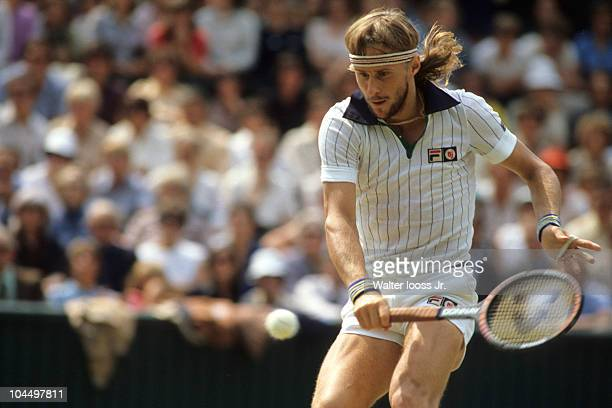 Wimbledon Sweden Bjorn Borg in action vs USA John McEnroe during Men's Final at All England Club London England 7/6/1980 CREDIT Walter Iooss Jr