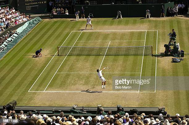 Wimbledon Switzerland Roger Federer in action serve vs USA Andy Roddick during Men's Finals at All England Club London England 7/5/2009 CREDIT Bob...