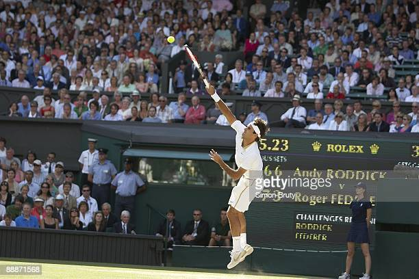 Wimbledon Switzerland Roger Federer in action serve vs USA Andy Roddick during Men's Finals at All England Club London England 7/5/2009 CREDIT Simon...
