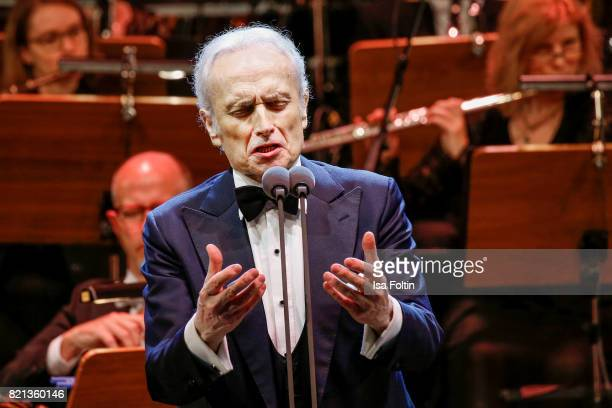 Tenor Jose Carreras perfom on stage during the Thurn Taxis Castle Festival 2017 on July 23 2017 in Regensburg Germany