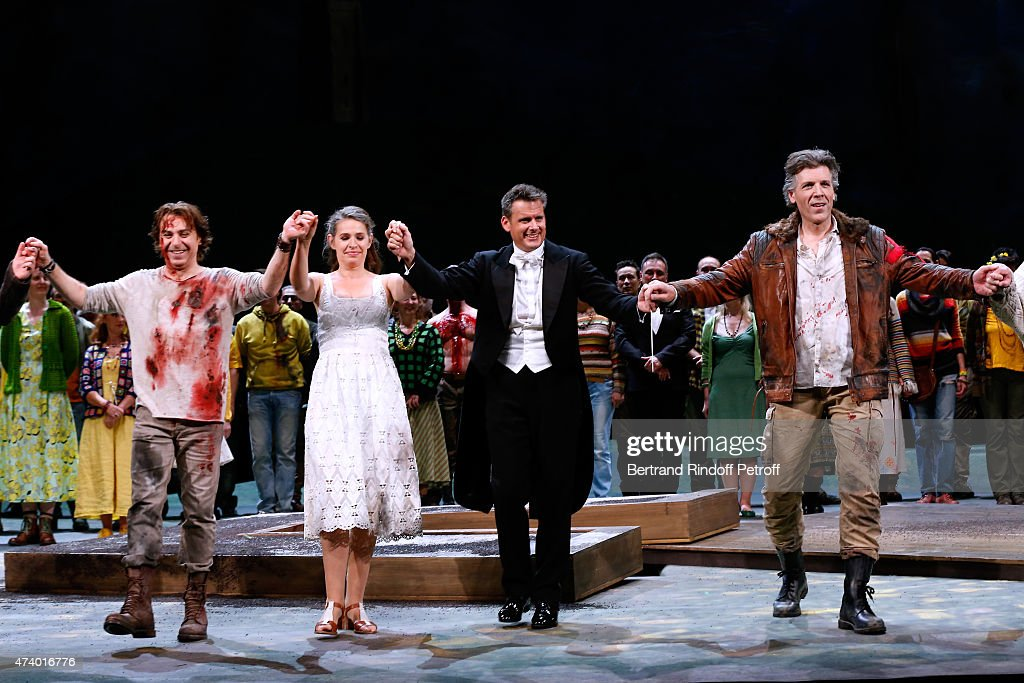 Tenor <a gi-track='captionPersonalityLinkClicked' href=/galleries/search?phrase=Roberto+Alagna&family=editorial&specificpeople=679931 ng-click='$event.stopPropagation()'>Roberto Alagna</a>, Mezzo-soprano Sophie Koch, Musical Direction Philippe Jordan and Baryton Thomas Hampson acknowledge the applause of the audience at the end of the AROP Charity Gala with the Opera 'Le Roi Arthus', Music and Libretto from Ernest Chausson. Held at Opera Bastille on May 19, 2015 in Paris, France.