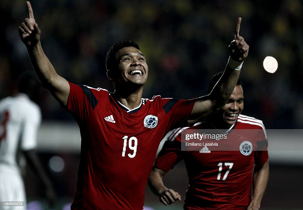 <a gi-track='captionPersonalityLinkClicked' href=/galleries/search?phrase=Teofilo+Gutierrez&family=editorial&specificpeople=5901237 ng-click='$event.stopPropagation()'>Teofilo Gutierrez</a> of colombia celebrates the first goal of his team during the International Friendly match between Colombia and Senegal at Pedro Bidegain Stadium on May 31, 2014 in Buenos Aires, Argentina.