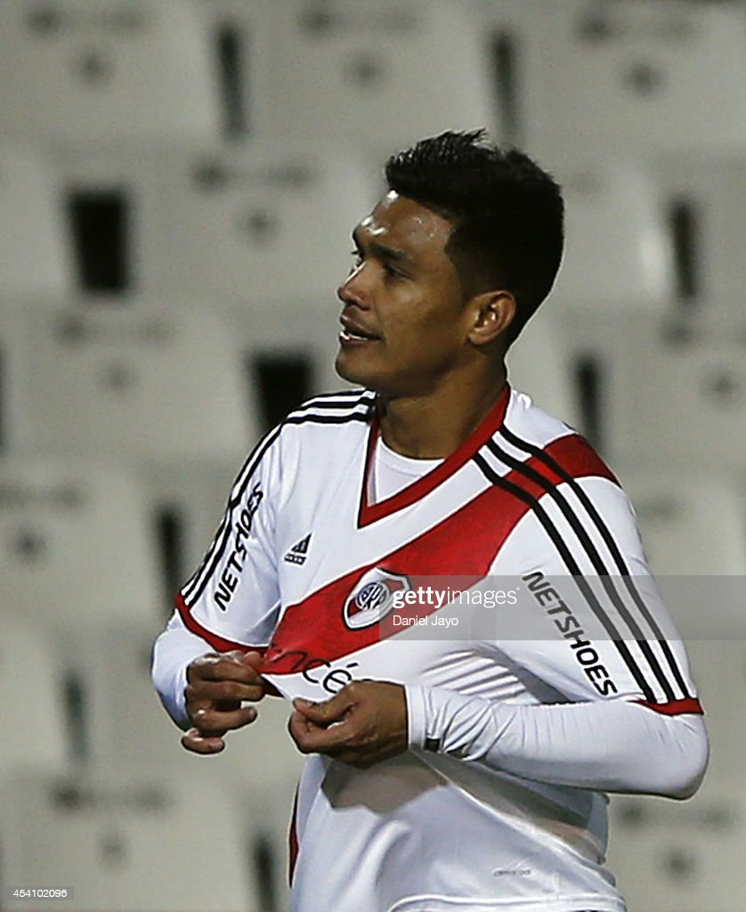 Teofilo Gutierrez of River Plate celebrates after scoring during a match between Godoy Cruz and River Plate as part of third round of Torneo de...