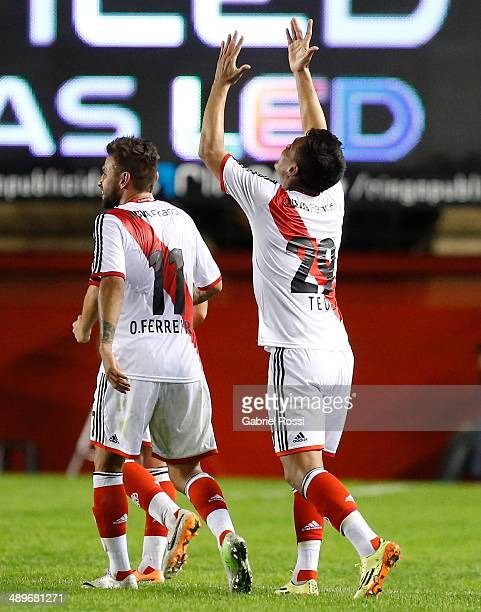 Teofilo Gutierrez of River Plate celebrates after scoring his team's second goal during a match between Argentinos Juniors and River Plate as part of...