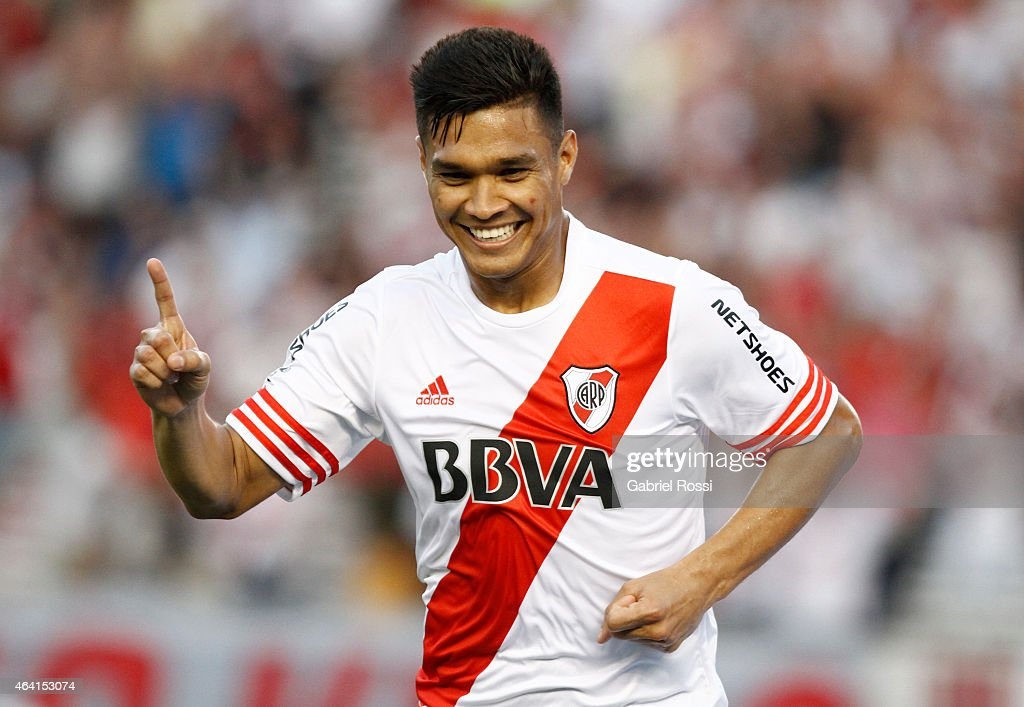 <a gi-track='captionPersonalityLinkClicked' href=/galleries/search?phrase=Teofilo+Gutierrez&family=editorial&specificpeople=5901237 ng-click='$event.stopPropagation()'>Teofilo Gutierrez</a> of River Plate celebrates after scoring the second goal of his team during a match between River Plate and Quilmes as part of second round of Torneo Primera Division 2015 at Antonio Vespucio Liberti Stadium on February 22, 2015 in Buenos Aires, Argentina.