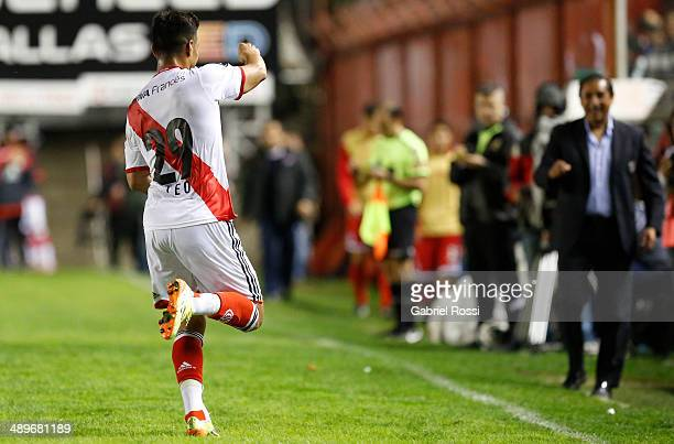 Teofilo Gutierrez of River Plate celebrates after scoring the second goal of his team during a match between Argentinos Juniors and River Plate as...
