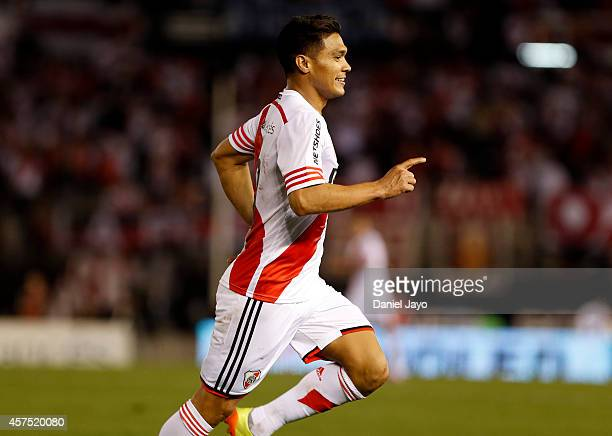 Teofilo Gutierrez of River Plate celebrates after scoring the third goal of his team during a match between River Plate and Belgrano as part of round...