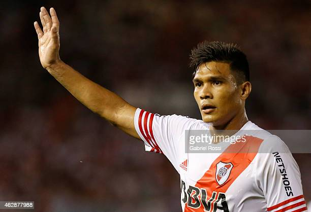 Teofilo Gutierrez of River Plate Plate looks on during a first leg match between River Plate Plate and San Lorenzo as part of Recopa Sudamericana at...