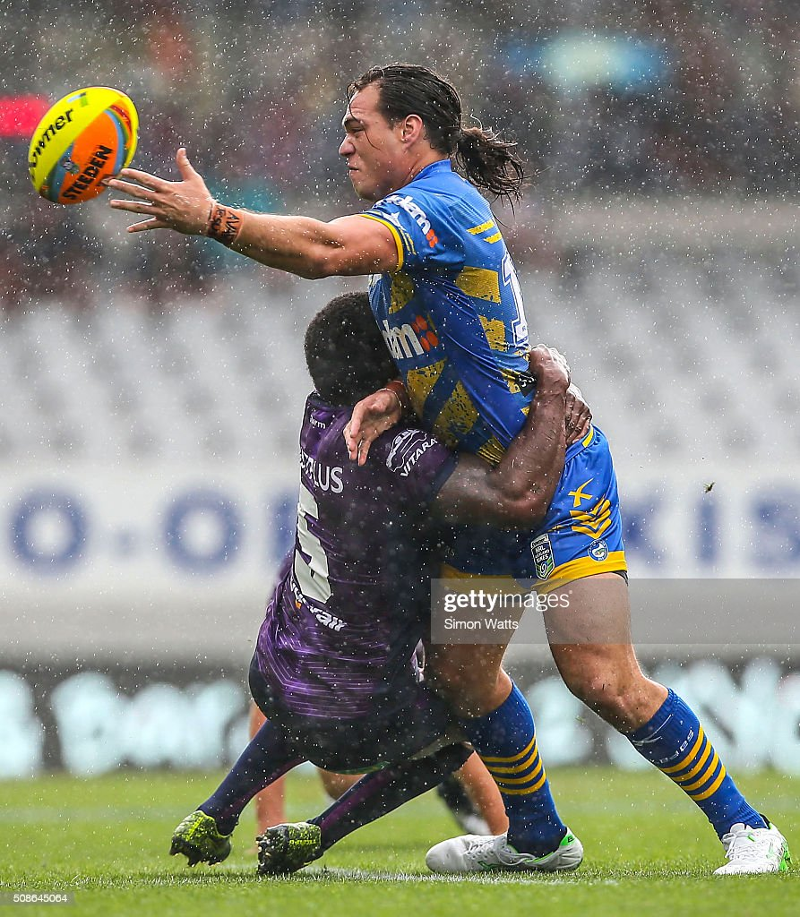 Tepai Moera of the Eels offloads the ball during the 2016 Auckland Nines match between the Eels and the Storm at Eden Park on February 6, 2016 in Auckland, New Zealand.