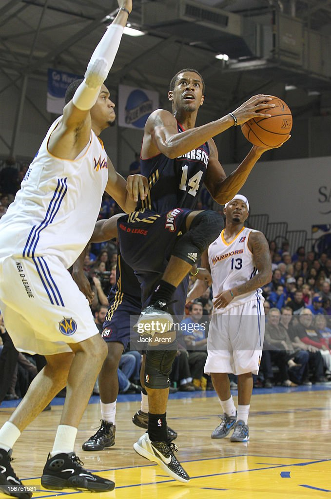 S tephen Dennis #14 of the Bakersfield Jam shoots the ball during a game against the Santa Cruz Warriors on December 23, 2012 at Kaiser Permanente Arena in Santa Cruz, California.
