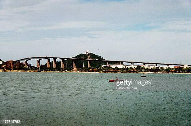 Terceira Ponte com Convento da Penha ao Fundo