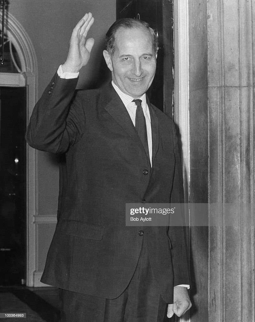 Terence O'Neill (1914 - 1990), Prime Minister of Northern Ireland, arrives at Number 10 Downing Street for talks with British Prime Minister Harold Wilson, 4th November 1968. They will be discussing the situation which led to the recent violence in Londonderry.