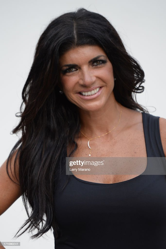 <a gi-track='captionPersonalityLinkClicked' href=/galleries/search?phrase=Teresa+Giudice&family=editorial&specificpeople=5912953 ng-click='$event.stopPropagation()'>Teresa Giudice</a> arrives to sign copies of her book 'Fabulicious!: On The Grill: Teresa's Smoking Hot Backyard Recipes' at Books and Books at Museum of Art on June 21, 2013 in Fort Lauderdale, Florida.