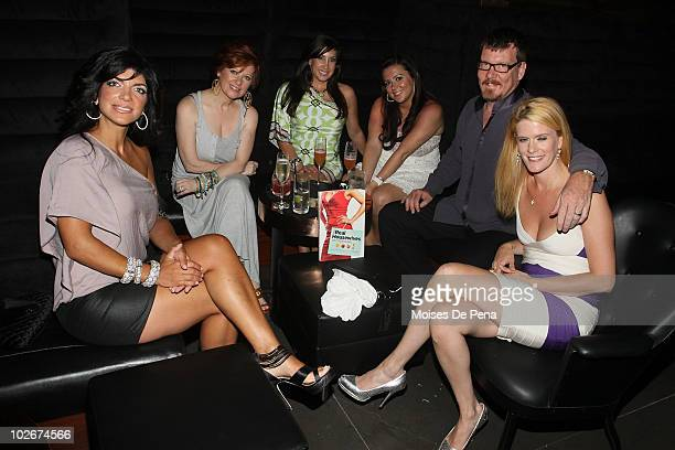 Teresa Giudice Caroline Manzo Jacqueline Laurita Lauren Manzo Simon van Kempen and Alex McCord attend the 'Real Housewives Get Personal' book signing...