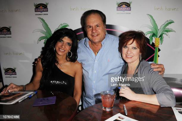 Teresa Giudice Harry Wayne Casey and Caroline Manzo meet and greet fans at Seminole Casino Coconut Creek on December 16 2010 in Coconut Creek Florida