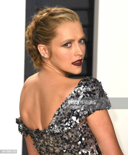 Teresa Palmer attends the 2017 Vanity Fair Oscar Party hosted by Graydon Carter at Wallis Annenberg Center for the Performing Arts on February 26...