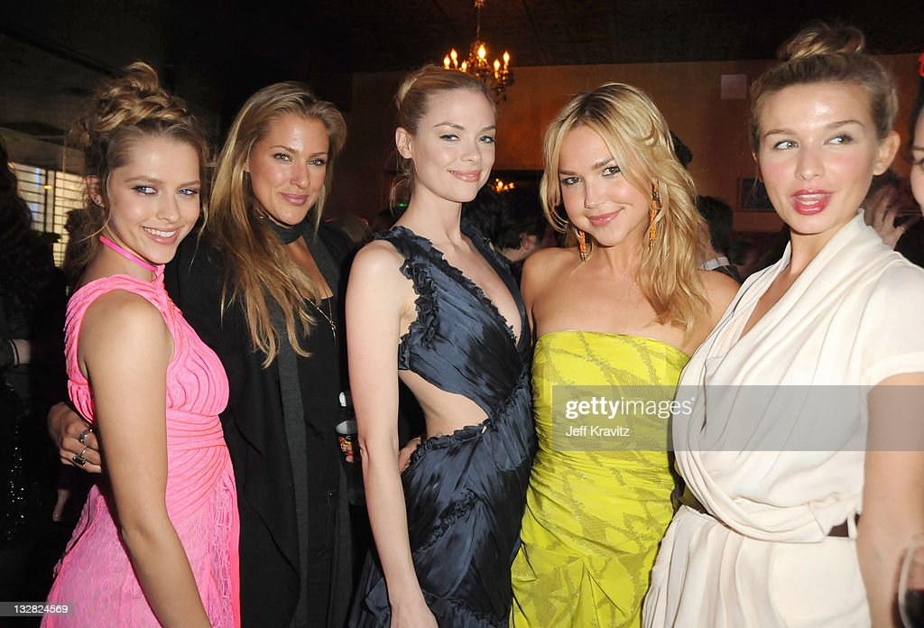 Teresa Palmer Candace Kroslak Jaime King Arielle Kebbel and Tahyna Tozzi attends the Los Angeles premiere of 'Take Me Home Tonight' at The Conga Room...