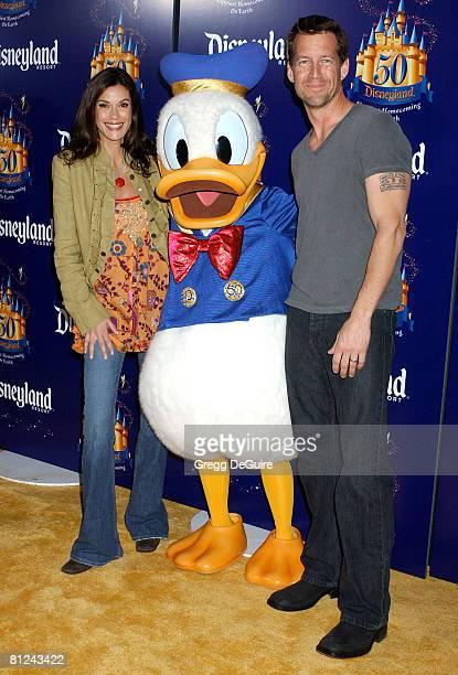 Teri Hatcher and James Denton with Donald Duck