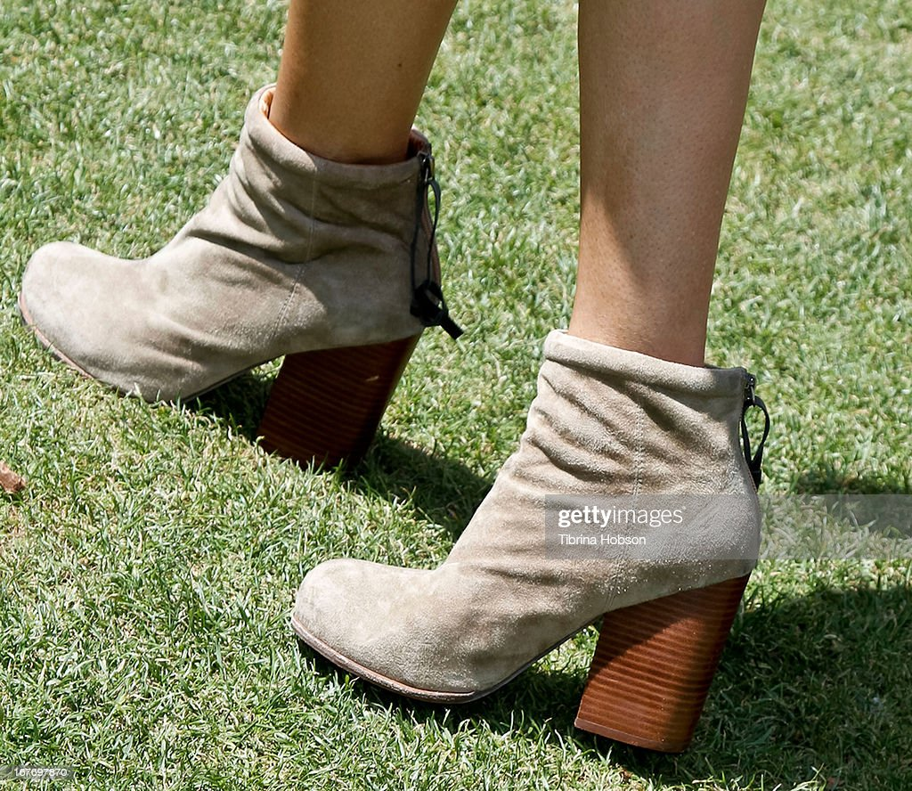 <a gi-track='captionPersonalityLinkClicked' href=/galleries/search?phrase=Teri+Hatcher&family=editorial&specificpeople=202145 ng-click='$event.stopPropagation()'>Teri Hatcher</a> (shoe detail) attends the celebrity yard sale and auction benefiting Juvenile Arthritis Association at The Americana at Brand on April 27, 2013 in Glendale, California.