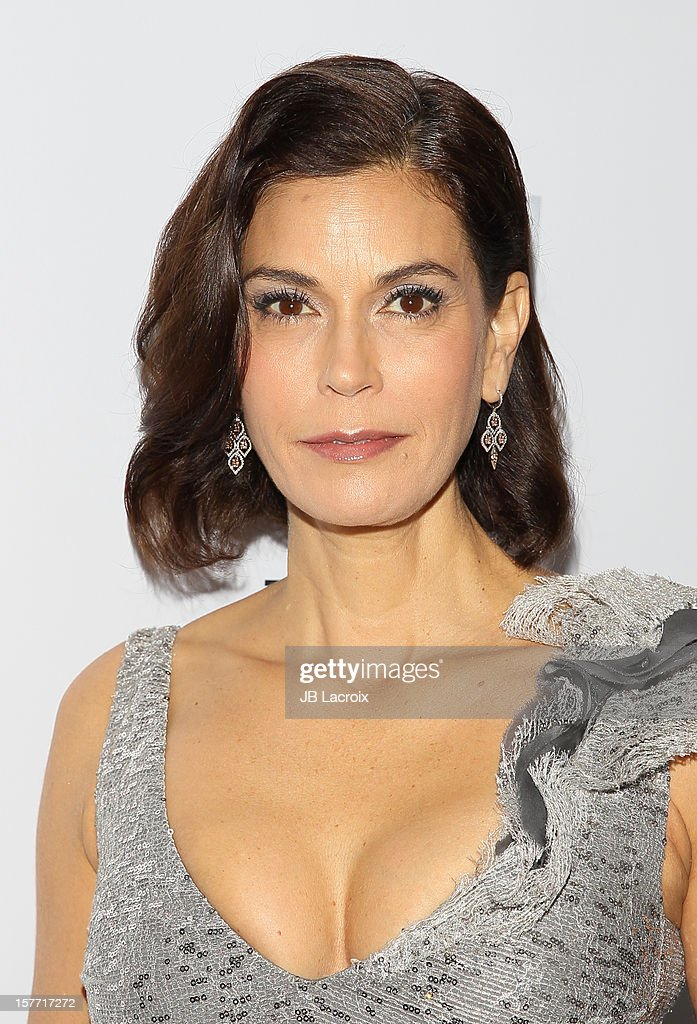 <a gi-track='captionPersonalityLinkClicked' href=/galleries/search?phrase=Teri+Hatcher&family=editorial&specificpeople=202145 ng-click='$event.stopPropagation()'>Teri Hatcher</a> attends the Kevan Hall Presents His Spring 2013 Collection on December 5, 2012 in Los Angeles, California.