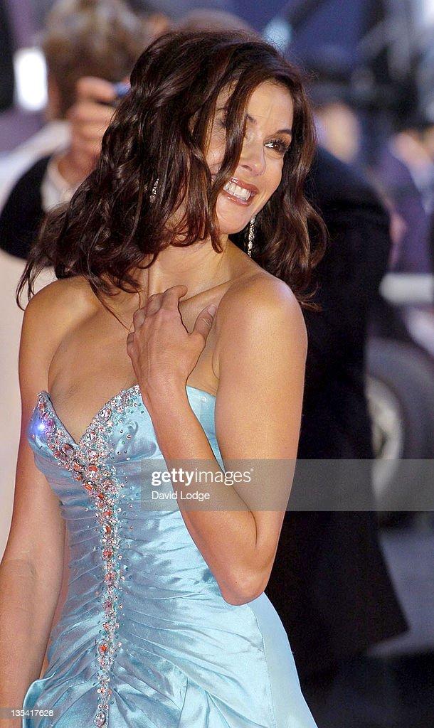Teri Hatcher during 2005 Laureus Sports Awards - Arrivals at Casino Estoril in Estoril, Portugal.