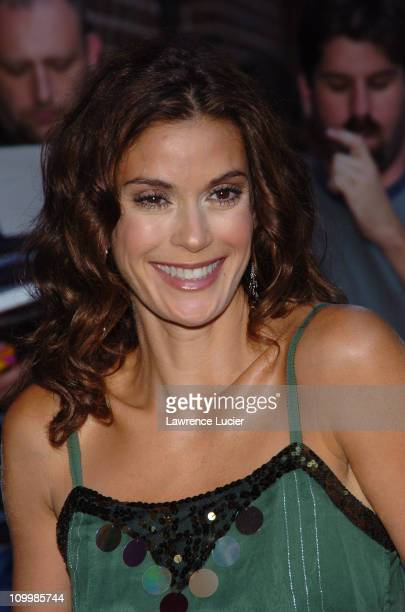 Teri Hatcher during Teri Hatcher and Sheryl Crow Appear Outside The Late Show with David Letterman September 22 2005 at Ed Sullivan Theatre in New...