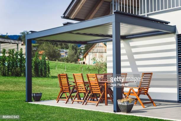 Terras op mooie suburban gezinswoning